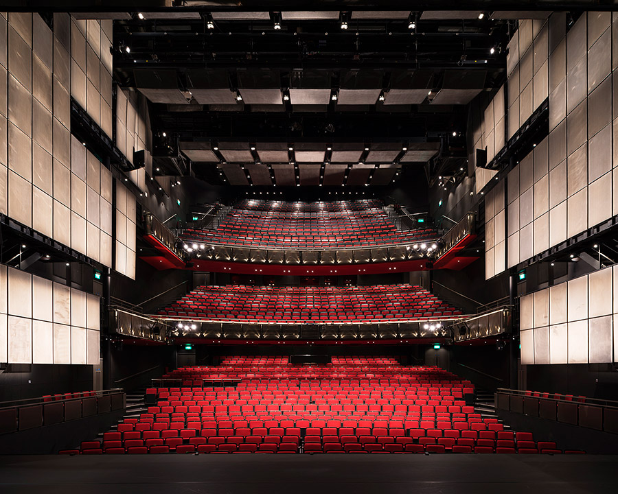 Sadler's Wells Theatre, RHWL